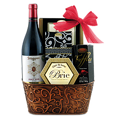 Pinot Noir & Cheese, Please Wine Gift Basket